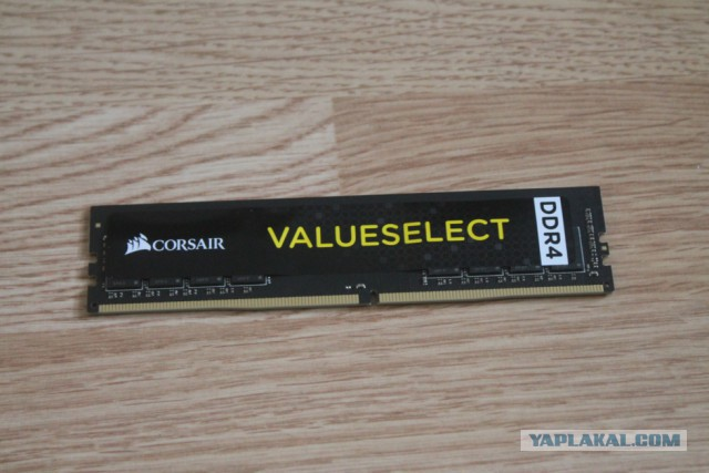 Продам 8GB DDR4-2666 Corsair CMV8GX4M1A2666C18 Москва\Почта