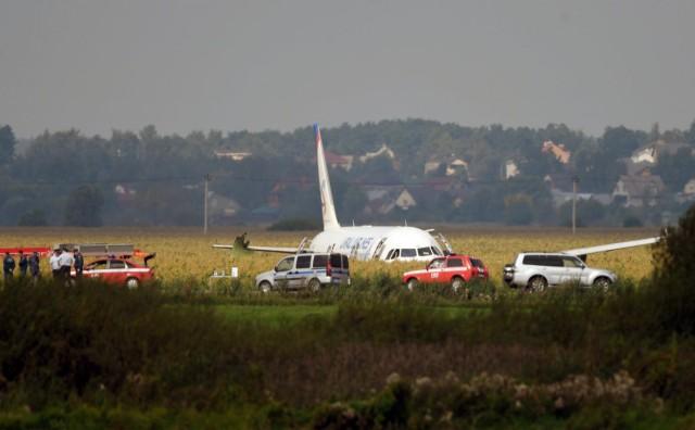 Расшифровка переговоров пилотов самолёта А321, севшего в поле с кукурузой