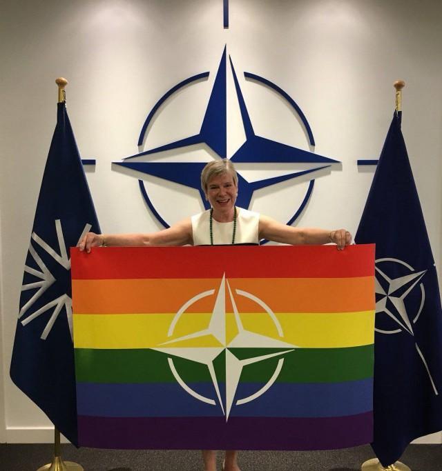 НАТО. Одно фото для понимания