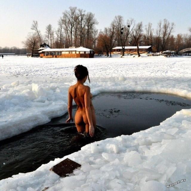 «Трезвая Россия» волнуется из-за голых купальщиц