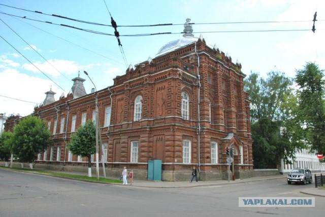 РПЦ просит вернуть здание костромского роддома