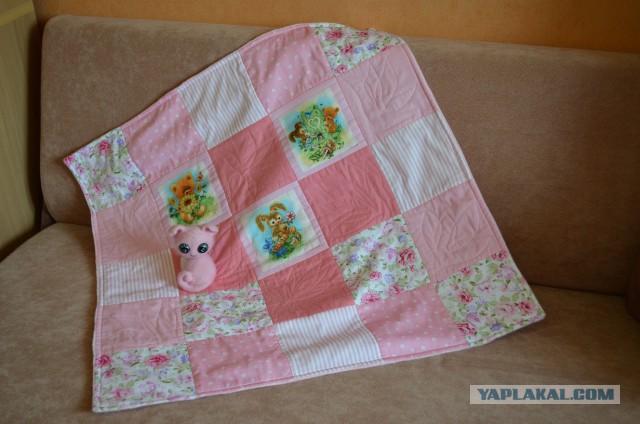 Лоскутное одеяльце для девочки