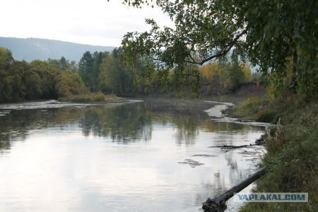 Там, где течет река...