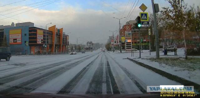 Вот и ЗИМА пришла в Челябинск! А какие у вас дороги сейчас?