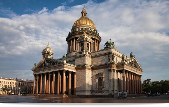 Cмольный попросил вывезти из Исаакиевского собора музейные экспонаты для передачи РПЦ