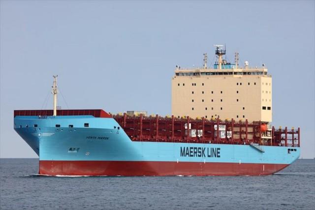 Первый коммерческий контейнеровоз успешно преодолел Севморпуть