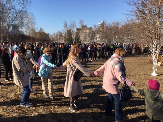 Екатеринбургская епархия отменила запланированный молебен за храм, против которого выступают местные жители