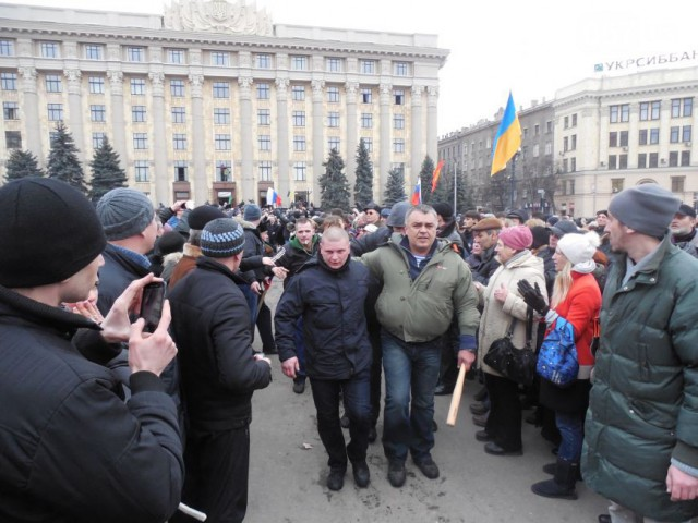 Тем временем в Харькове наводят порядок