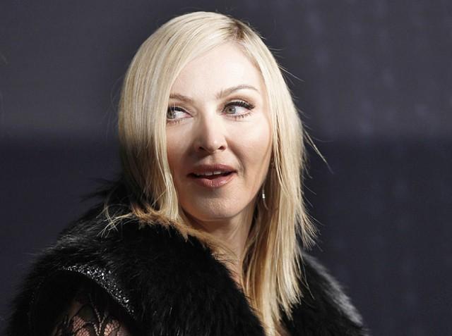 Мадонна обещает отблагодарить оральным сексом всех, кто проголосует за Клинтон