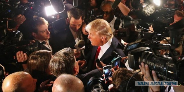 """Сборище лжецов!"": Трамп на закрытой встрече разнес американские СМИ"
