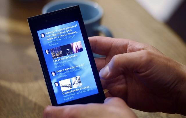 Переход 8 млн чиновников на смартфоны с ОС Sailfish обойдется в 160 млрд рублей