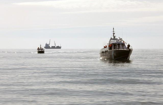 Экипаж судна-нарушителя из КНДР напал на российских пограничников