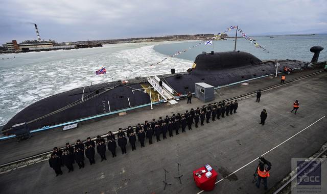 """Церемония передачи Тихоокеанскому флоту отремонтированной атомной подводной лодки """"Кузбасс"""""""