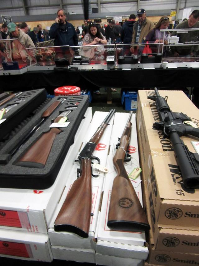 Выставка оружия в Plymouth, MA