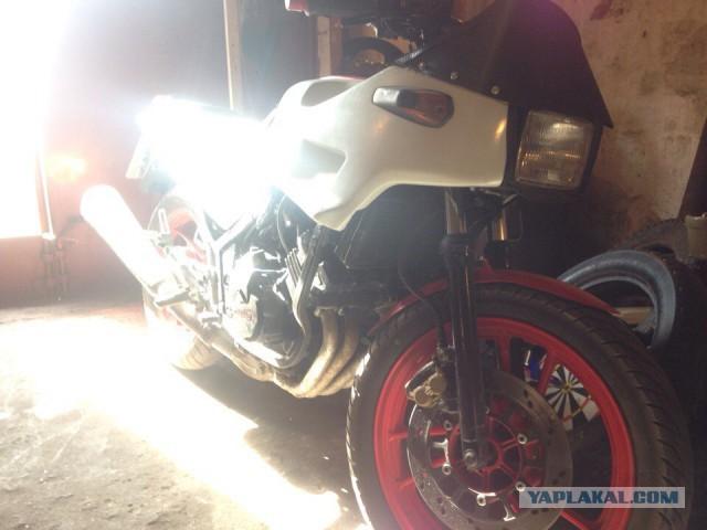 Продам мотоцикл Yamaha fzr 250