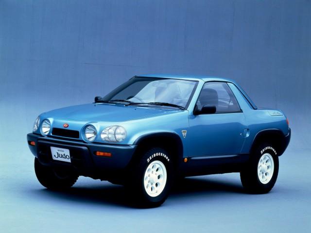 Nissan Чудо.