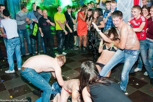 Адский отжиг в ночном клубе Брянска