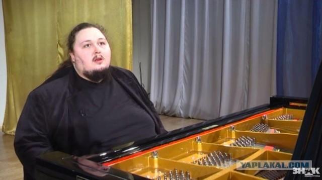 Сын Никаса Сафронова решил толстеть до 250 килограммов