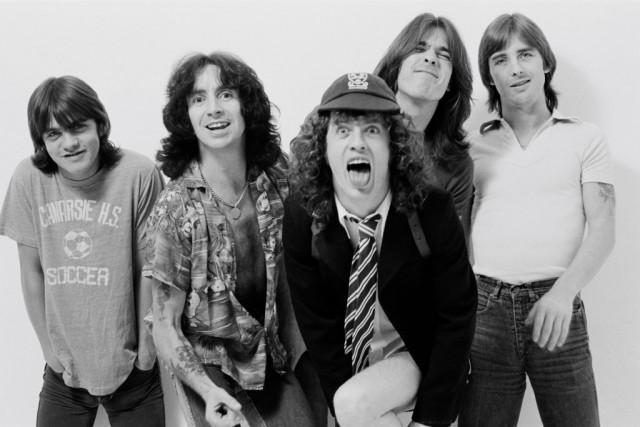 AC/DC- High Voltage: история альбома