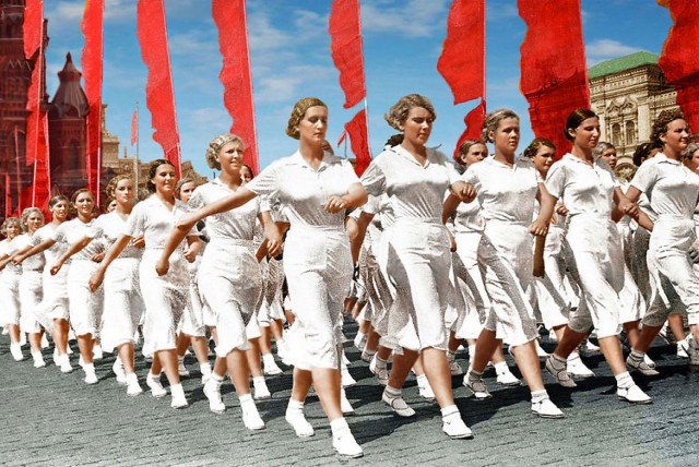 Раскрашенные фотографии России XIX–XX веков