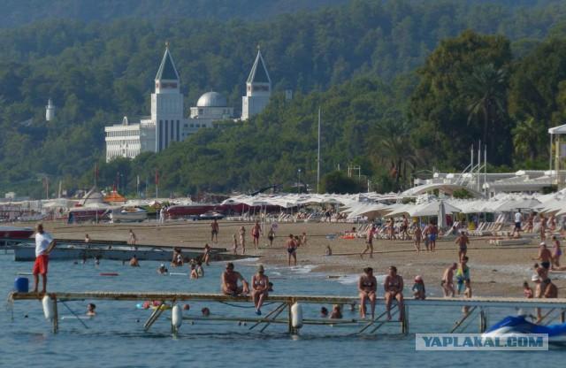 Немецкие СМИ:Без россиян турецкий туризм погибнет