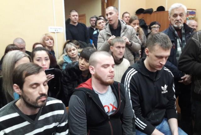Осужденных за пытки российских полицейских отпустили по УДО