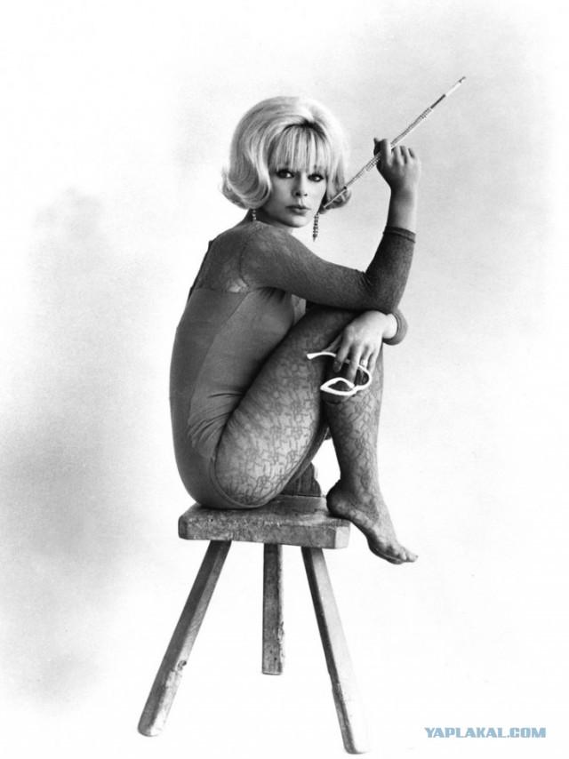 Немного эротики от актрис из прошлого века