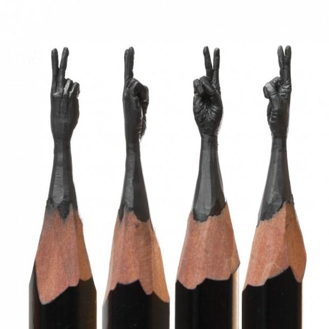 12 скульптур на кончике карандаша