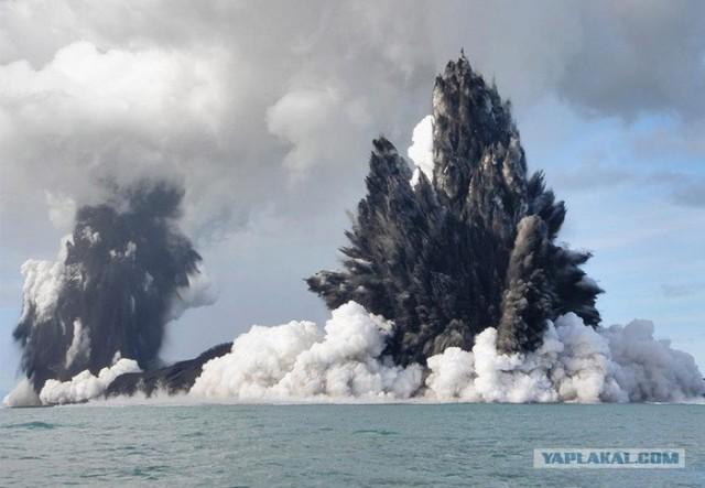 Извержение подводного вулкана (12 фото)