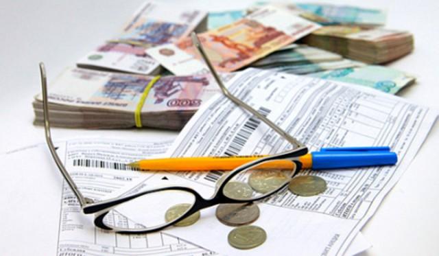 """В России готовят поправки, позволяющие продать """"излишек"""" квадратных метров в единственной квартире должников"""