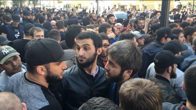 Только что в Москве полиция пресекла очередные массовые беспорядки