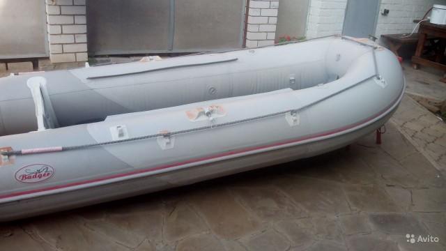 Лодка Badger 340 с мотором Tohatsu 9.8