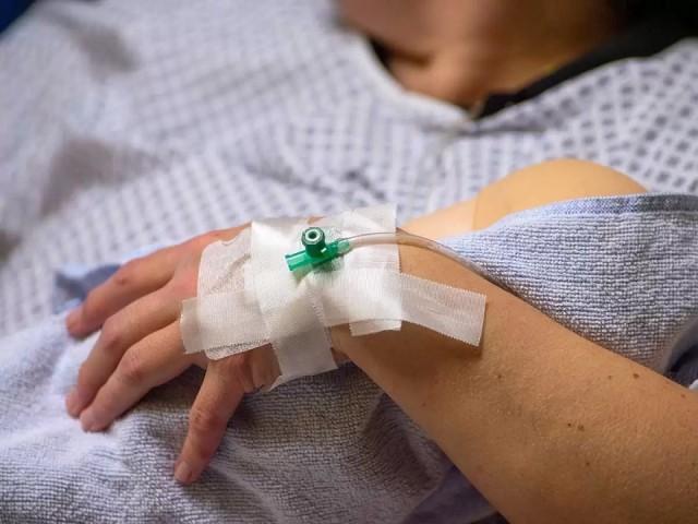 В омском роддоме №1 врачи изуродовали молодую роженицу