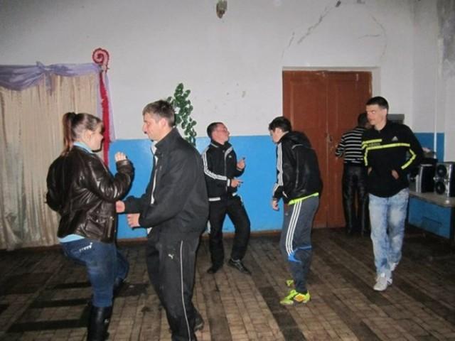 derevenskie-devushki-v-klubah-foto