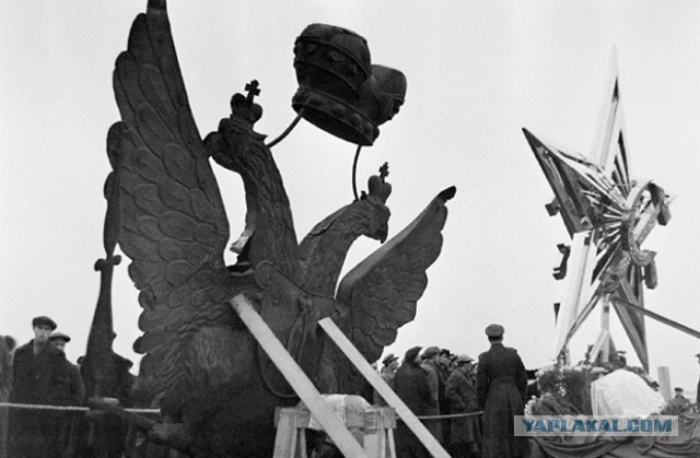 Звезды вместо орлов: Как меняли символы на башнях Московского Кремля