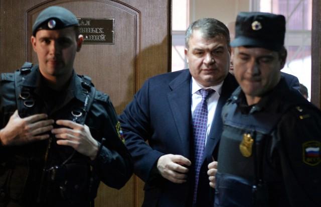 13-летняя дочь экс-министра обороны Сердюкова пропала без вести