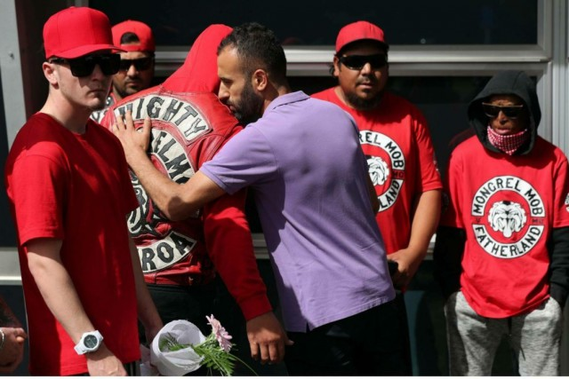 Банды байкеров в Новой Зеландии начали охранять мусульман после стрельбы в мечети