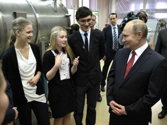 """""""Работают снайперы"""": чем оборачиваются для граждан визиты Путина в регионы"""