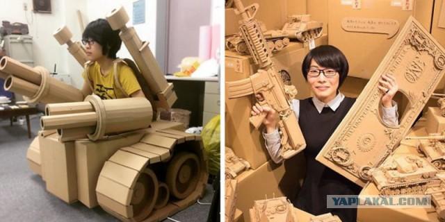 Эта девушка превращает старые картонные коробки в танки, еду и другие невероятные скульптуры