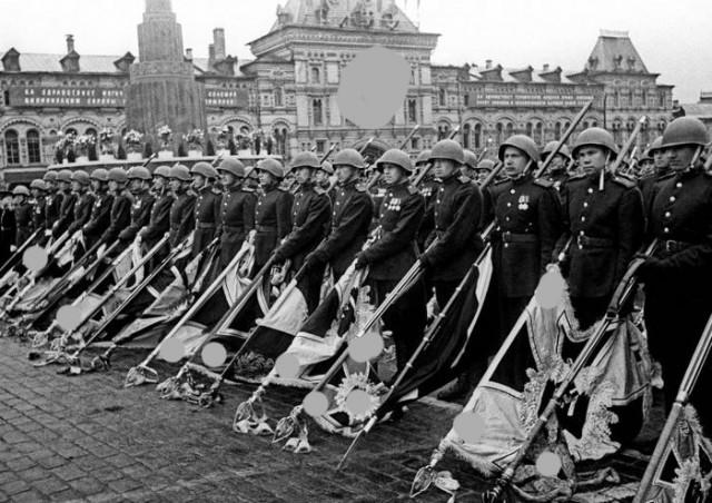 Жителя Архангельска осудили за знаменитую фотографию с парада Победы 1945 года