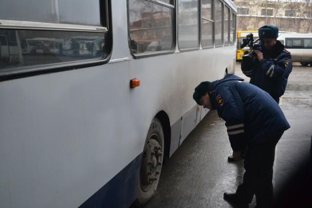 Замок на конюшню, после того, как коня увели: в Москве за ночь проверили более 8000 автобусов