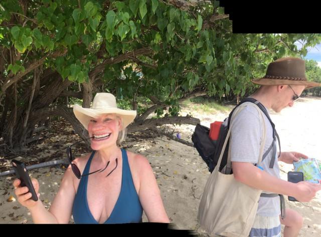 Мама хотела сфотографировать панораму - получился трольфейс