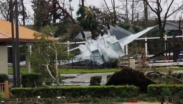 "Ураган ""Майкл"" разрушил базу ВВС США во Флориде"