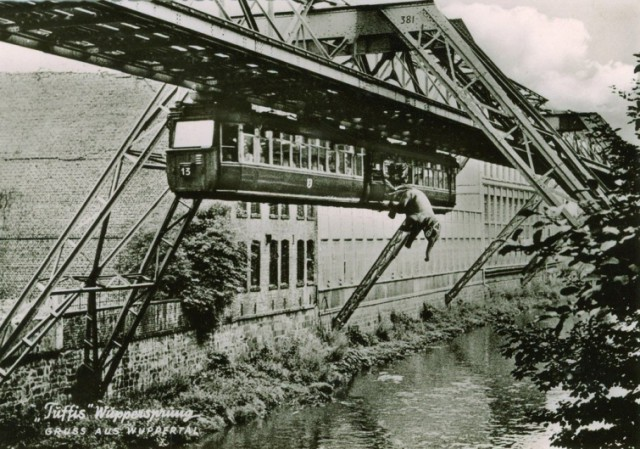 Вперёд, в прошлое: архивные кадры, которые откроют вам окно в историю