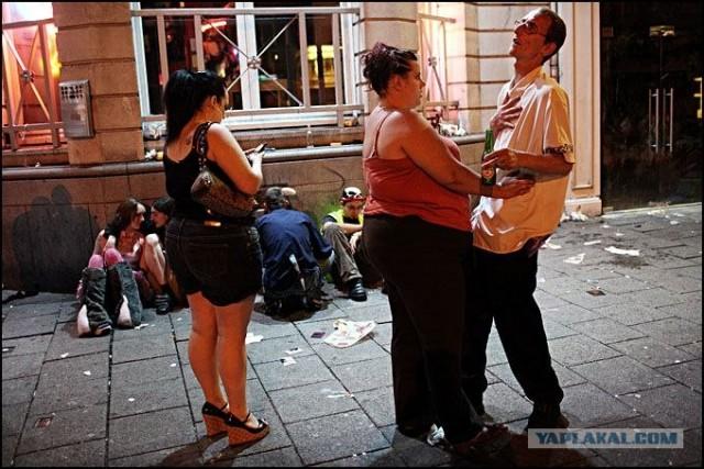 Погуляли пацаны под алкоголем (23 фото)