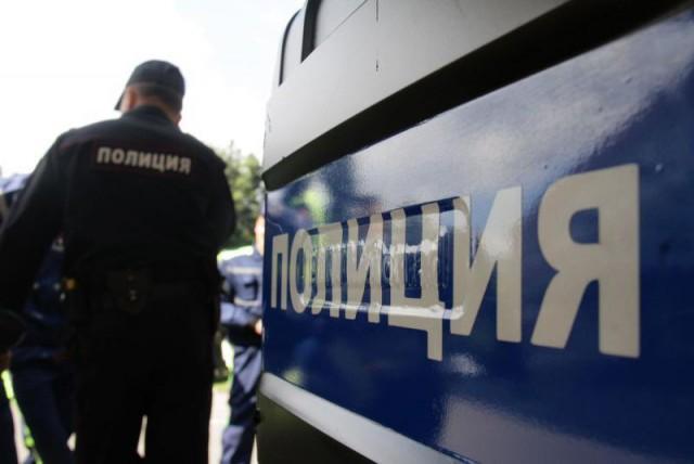Девятиклассник в Москве обезвредил и передал полицейским мужчину, укравшего телефон у маленькой девочки.