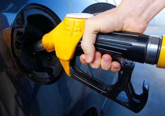 Бензин подорожает к сентябрю