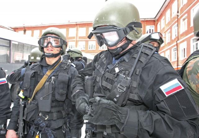 Спецназ по ошибке выбил дверь обычного жителя Москвы