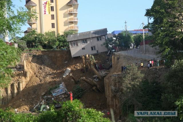 В Сочи рухнул дом