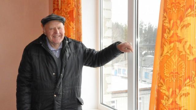 В Воронежской области пенсионер купил 2 пластиковых окна для райбольницы. У больницы не было на это денег
